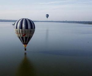 puzzel Ballon boven water