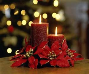 puzzel Brandende kaarsen als een middelpunt versierd met bloemen Kerstmis