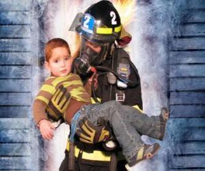 puzzel Brandweer met een kind in de armen