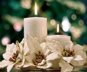 puzzel Center tafel met twee kaarsen en witte bloemen
