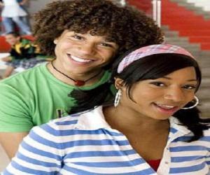 puzzel Chad (Corbin Bleu), Taylor (Monique Coleman)