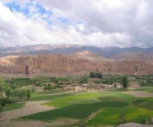 puzzel Cultuurlandschap en archeologische overblijfselen van de Bamiyan Vallei, Afghanistan.