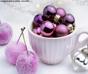 puzzel De ballen van Kerstmis in een kop