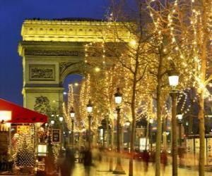puzzel De Champs Élysees versierd voor de kerst met de Arc de Triomphe op de achtergrond. Parijs, Frankrijk