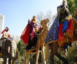 puzzel De drie wijzen berijden kamelen