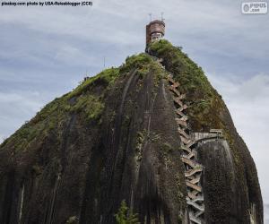 puzzel De rots van Guatape of De steen van El Peñol