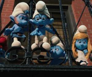 puzzel De Smurfen klaar om te springen vanaf het balkon