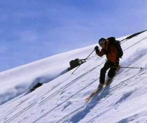 puzzel De Telemark ski is een techniek die werd geboren in 1825, beschouwd als de vader van het moderne skiën