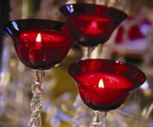 puzzel Drie kaarsen in kristallen kroonluchters