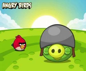 puzzel Een klein rood vogeltje naast een varken met helm