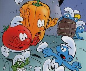 puzzel Een Smurf wordt nagestreefd door een tomaat en paprika