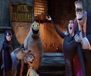 puzzel Graaf Dracula bij de deur van het hotel met je vrienden