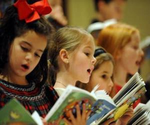 puzzel Groep kinderen zingen kerstliederen