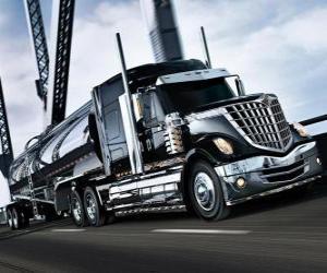 puzzel Grote zwarte vrachtwagen