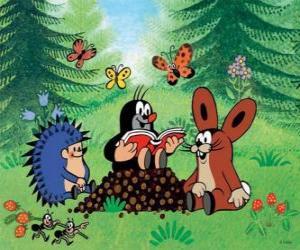 puzzel Het molletje leest een boek naar hun vrienden