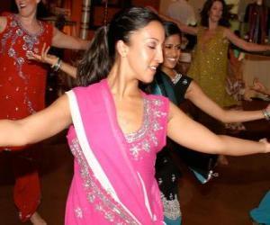 puzzel Hindoe danseres in het feest van de lichten, de Divali