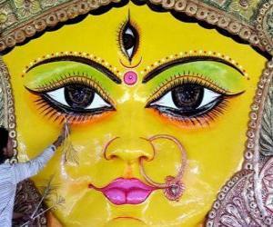 puzzel Hoofd van de godin Durga, een van de aspecten van Parvati