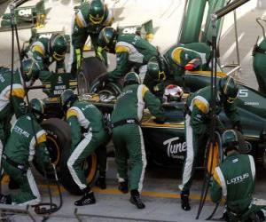 puzzel Jarno Trulli - Lotus - Bahrein 2010