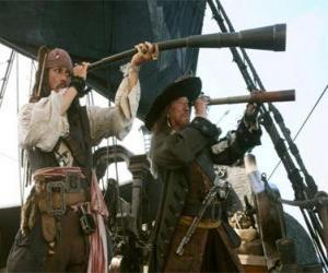 puzzel Kapitein van het piratenschip kijken naar een ander schip met de telescoop