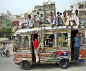puzzel Karachi bus