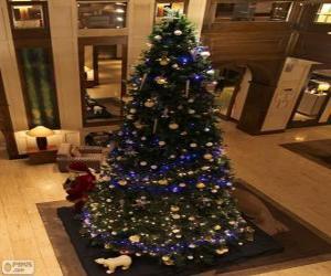 puzzel Kerstboom versierd met glinsterende ornamenten