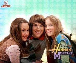 puzzel Miley Stewart en haar vrienden