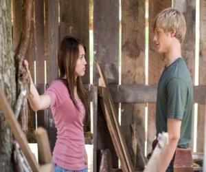 puzzel Miley Stewart (Miley Cyrus) spreekt met Travis Brody (Lucas Till)