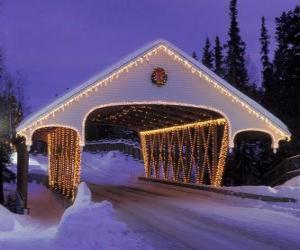 puzzel Overdekte brug ingericht voor Kerstmis