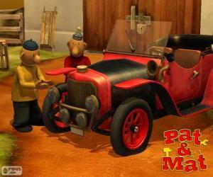 puzzel Pat en Mat naast zijn auto