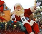 Kerstman zwaaien van de magische slee vol met kerstcadeaus