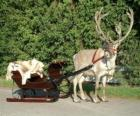 Een rendier Kerst trekken van een slee