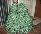 Kerstboom gemaakt van soda cans