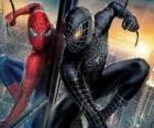 Spiderman zwart pak met een combinatie van zichzelf (en zijn pak) samen met de zwarte symbioot vanuit de ruimte