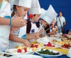 Groep kinderen te maken koks
