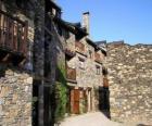 Typische straat in bergdorp