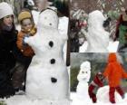 Kinderen spelen met een sneeuwpop