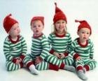 Kinderen verkleed voor de kerst