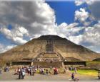 Piramide van de Zon, het grootste gebouw in de archeologische stad Teotihuacan, Mexico