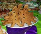 Volledige plaat van peperkoek man cookies
