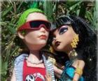 Cleo en Deuce, paar monsters in de  gymnasium Monster High