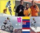 Podium vrouwen BMX fietsen, Mariana Pajón (Colombia), Sarah Walker (Nieuw-Zeeland) en Laura Smulders (Nederland), Londen 2012