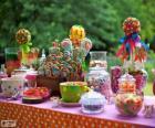 Tafel vol met goodies om een verjaardag te vieren