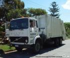 Witte vuilniswagen