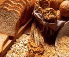 Er zijn verschillende soorten volkorenbrood, afhankelijk van de ingrediënten worden gebruikt in de voorbereiding, granen en zaden