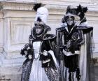 Twee elegante kostuums