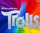 Poster van de film Trolls. Met een trol verborgen achter het logo