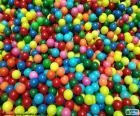 Pool van kleurrijke ballen