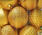 Gouden ballen voor Kerstmis