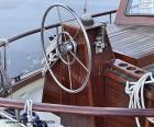 puzzel Het wiel van het roer van een zeilboot
