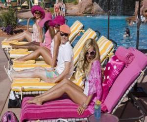 puzzel Ryan Evans (Lucas Grabeel), Sharpay Evans (Ashley Tisdale) in het zwembad